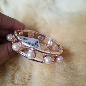 ROSE GOLD TONE PEARL BRACELET OPEN CLOSE HINGED